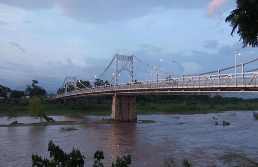 Bridge before the storm